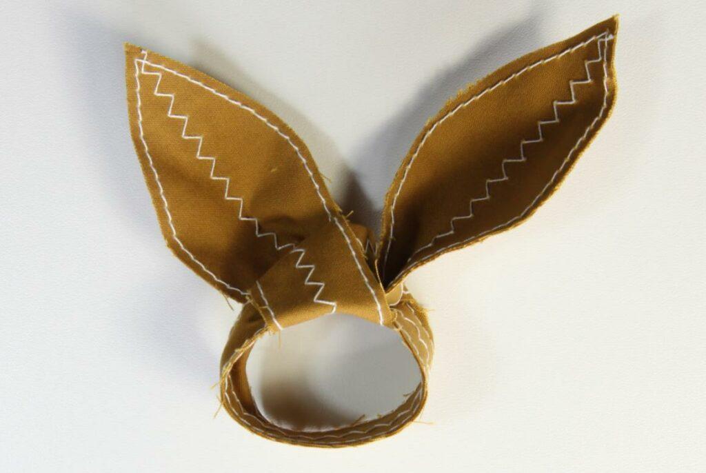 Kreative Artikel zum Thema Nähen Ich hab' Euch was schönes mitgebracht: Goldhase für den Ostertisch